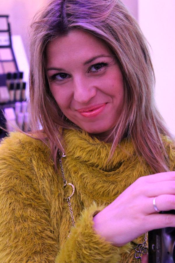 La blogger Cristina Lodi con make up Givenchy