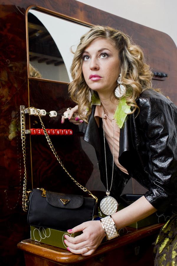 La Fashion Blogger Cristina Lodi con gioielli Ikonika for Zoppini