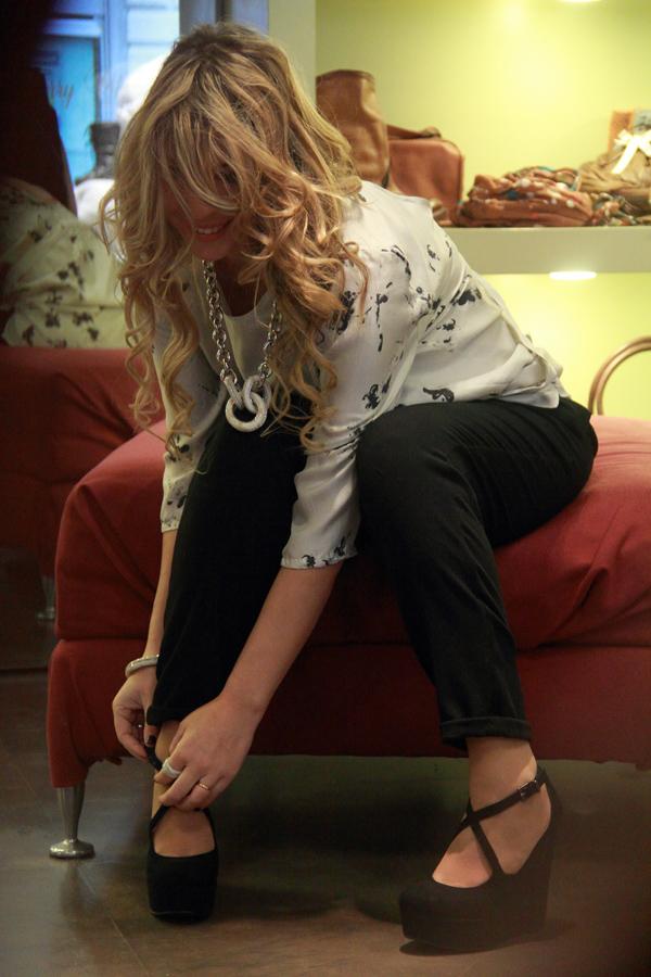 La Fashion Blogger Cristina Lodi con blusa Adele Fado