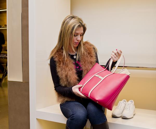La Fashion Blogger Cristina Lodi con borsa Hogan