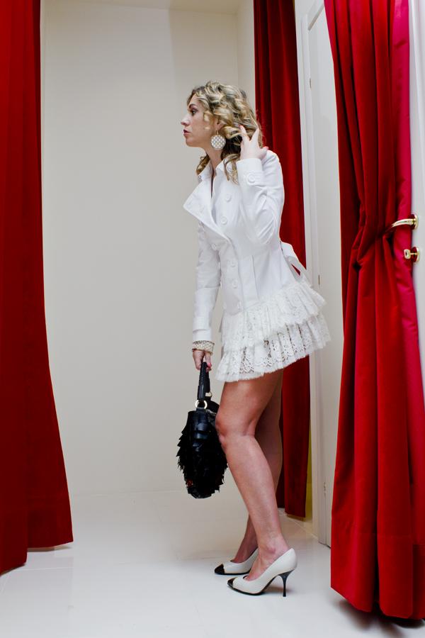 La Fashion Blogger Cristina Lodi con orecchini Ikonika