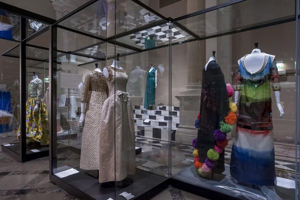 "Parigi celebra l'alta moda all' Hotel de Ville - ""Paris Haute Couture"""