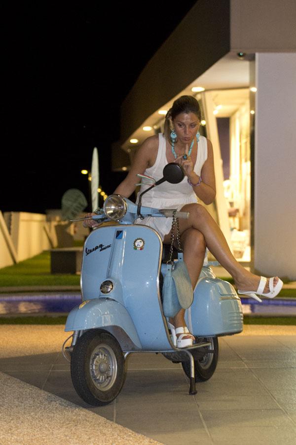 Cristina Lodi, Vespa, Piaggio, 2 fashion sisters