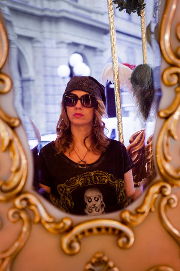 cristina lodi, fashion blogger, 2 fashion sisters, black belive, look rock