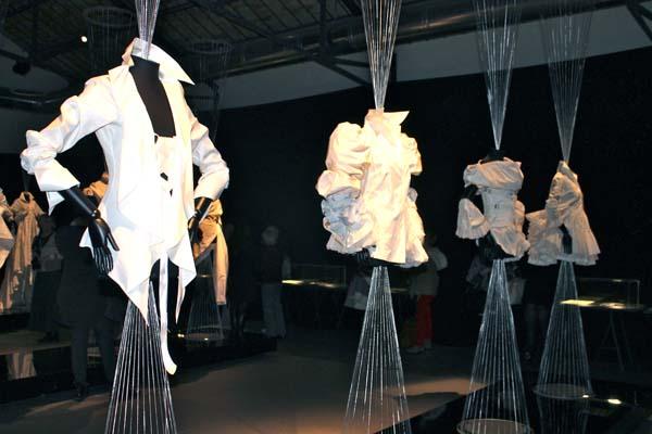 museo del tessuto, la camicia bianca secondo me, ferre, 2 fashion sisters, fashion blogger italia