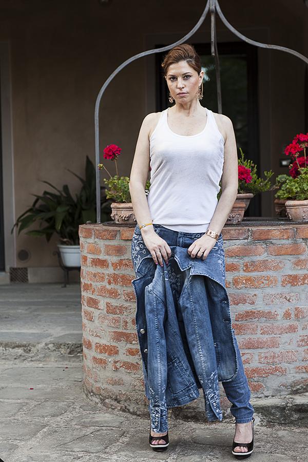 Cristina Lodi, fashion blogger, canotta Black Believe, jeans Marco Calzolai