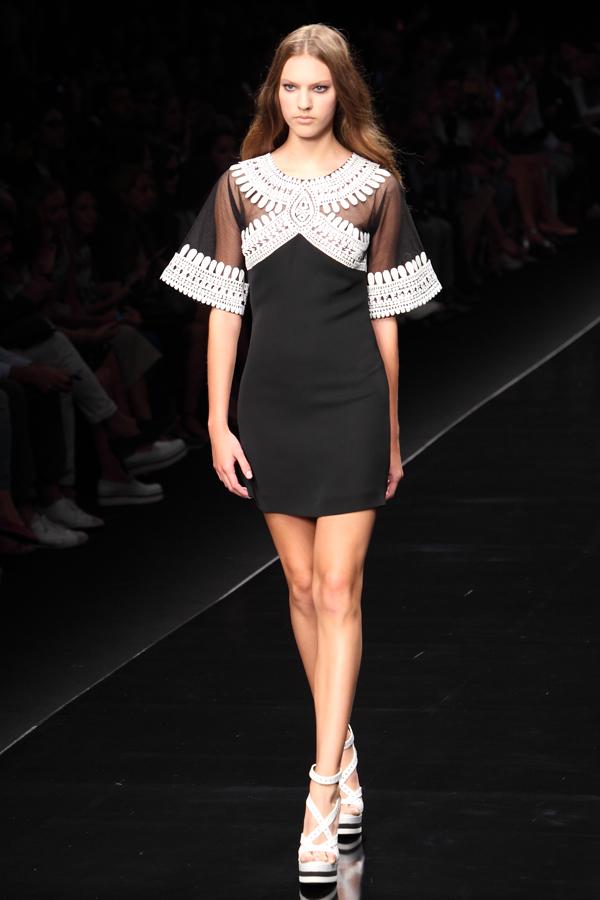 1 sfilata john richmond, 2 fashion sisters, ss2015