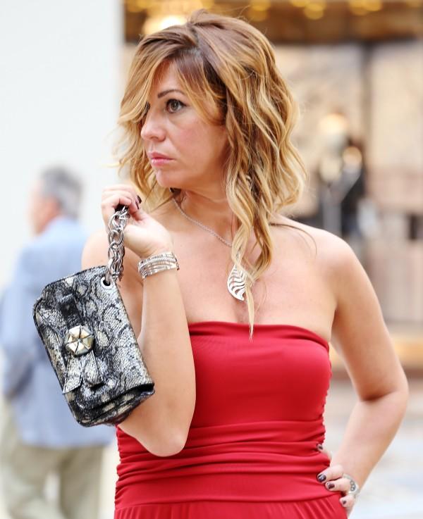 Cristina Lodi, abito rosso, 2 fashion sisters, fashion blogger, clutch Roberto Botticelli