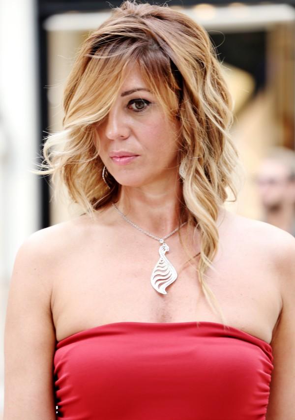 Cristina Lodi, abito rosso, 2 fashion sisters, fashion blogger, gioielli Stroili