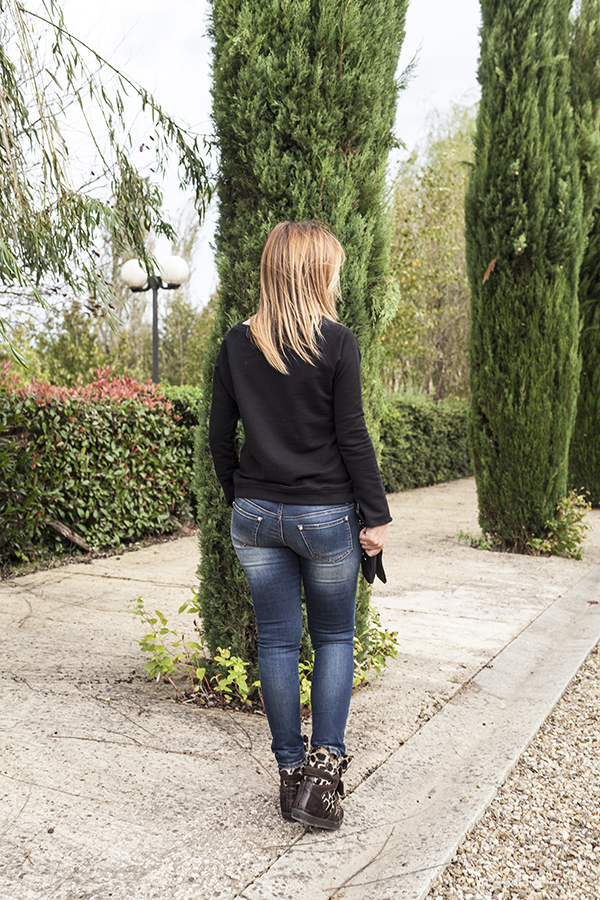 Cristina Lodi, Jeans elasticizzati CristinaEffe, 2 fashion sisters, sneakers Ishikawa
