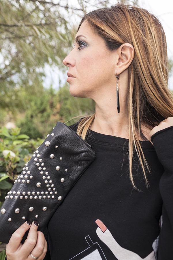 Cristina Lodi, felpa nera, felpa CristinaEffe, clutch orciani