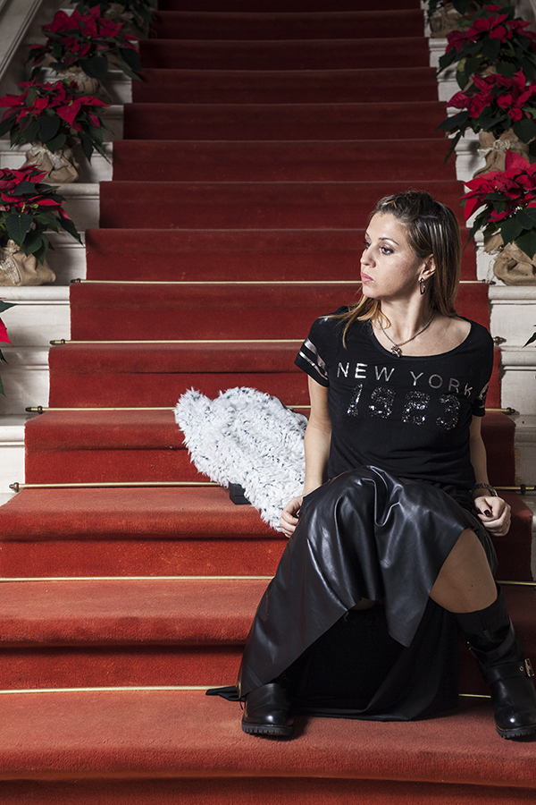Cristina Lodi, gioiello siamo tutti scimmie, boots Emanuelle Vee, fashion blogger italia, no alla discriminazione, villa la borghetta
