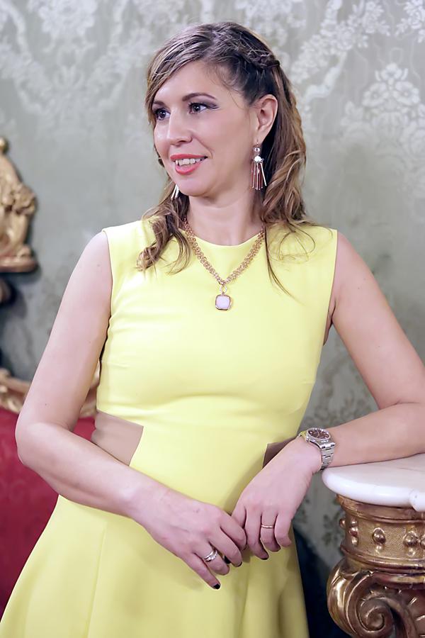 Cristina Lodi, abito Christies, abito giallo, gioielli ottavini, immagineitalia