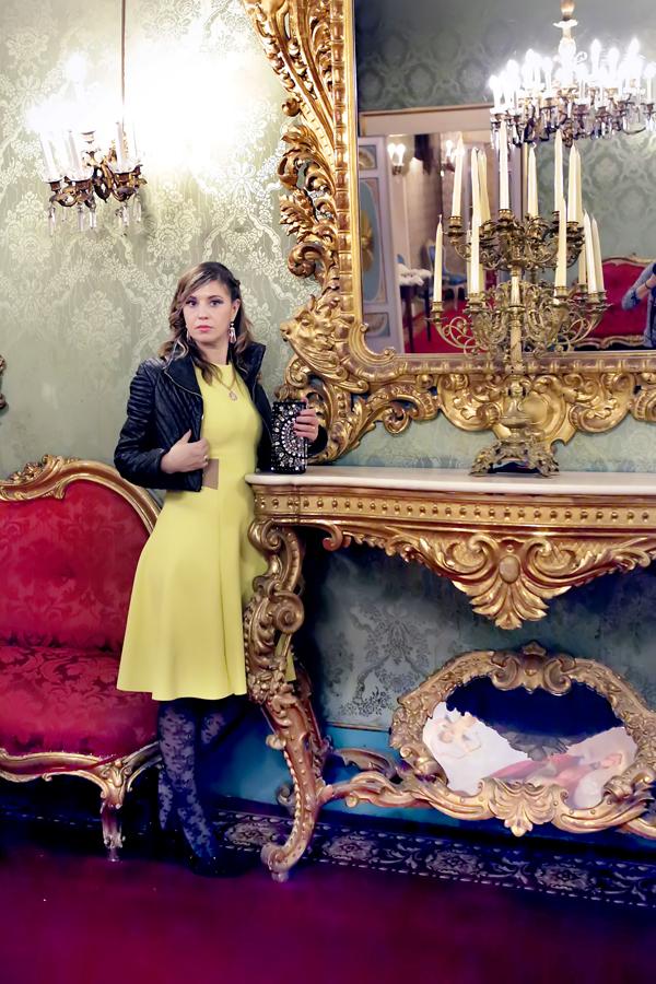 Cristina Lodi, abito Christies, calze max mara
