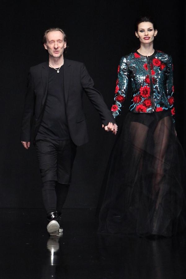 John Richmond,Dayane Mello, 2 fashion sisters