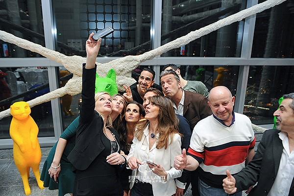 Selfie Infant Charity Hawarrd, Cristina Lodi, Cristina De Pin, Andrea Scaccia, Alessandro Scarpa, Adil Rami