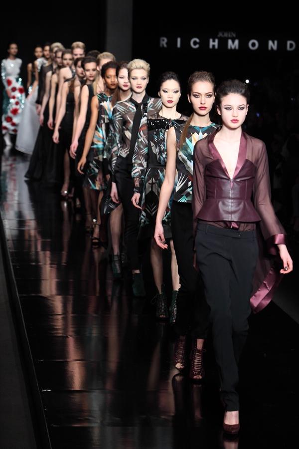 richmond_14, 2 fashion sisters