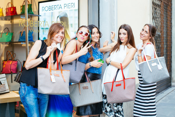 Cristina Lodi, 2 fashion sisters, Roberta Pieri