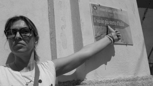 Cristina Lodi, Santa Caterina dello Ionio, il vicolo piu stretto d'italia, calabria, travel