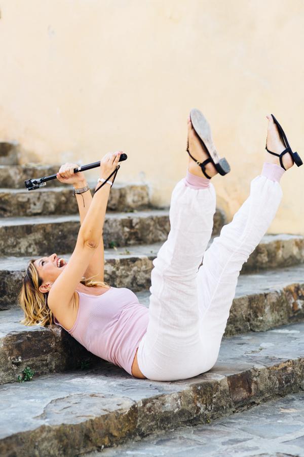 Cristina Lodi, 2 fashion sisters, Ezviz, s1 Sports, look Danapisarra, sandali Luciano Barachini