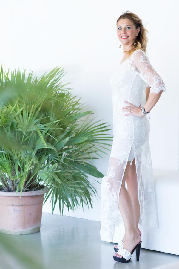 cristina lodi, modella, testimonial, abito pizzo bianco danapisarra, fashion blogger