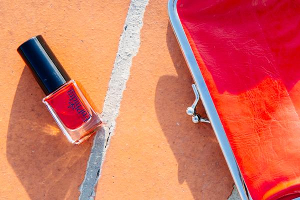 euphidra, unghie rosse, smalto rosso, 2 fashion sisters, nails