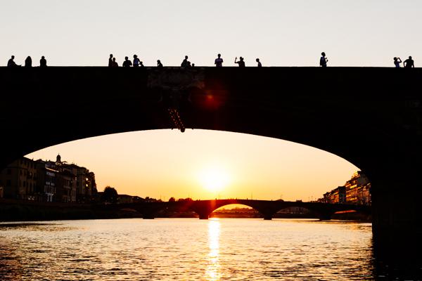 ponte vecchio, 2 fashion sisters, tramonto