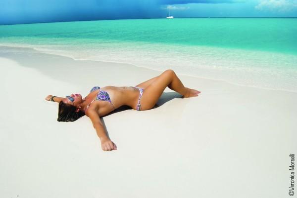 Cristina Lodi, 2 fashion sisters, bikini olivia beachwear, Cayo Largo, fashion blogger, testimonial, occhialiessequadro, cuba