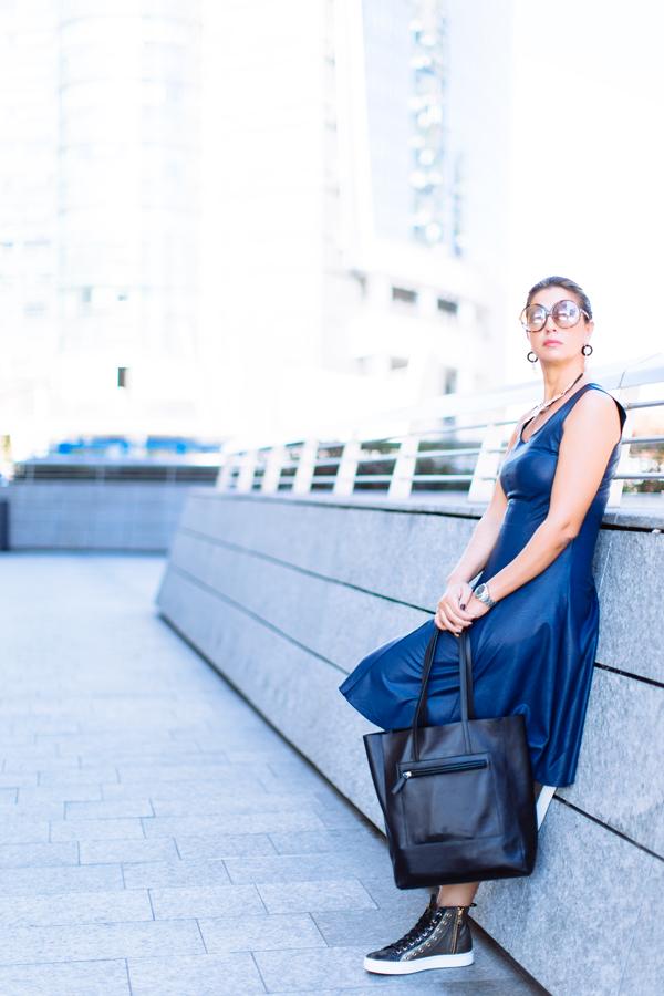 Cristina Lodi, abito ecopelle Grazia 'Lliani, sneakers stokton, borsa fabriano boutique, fashion blogger
