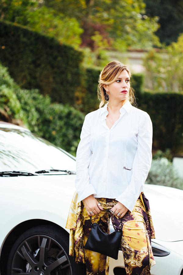 Cristina Lodi, camicia bianca john richmond, mfw, maserati
