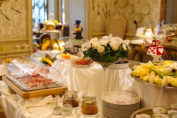 colazione chateau monfort milano, 2 fashion sisters