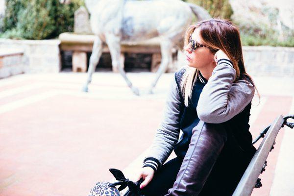 Cristina Lodi, giacca college two play, occhiali athina lux, stivali nr rapisardi, hotel ville sull'arno