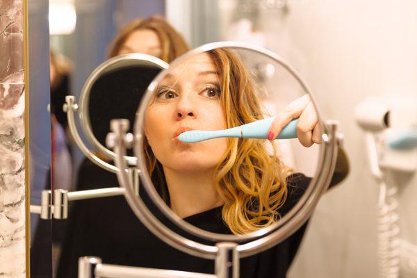 foreo issa,spazzolino elettrico, spazzolino da denti, beauty, 2 fashion sisters, cristina lodi